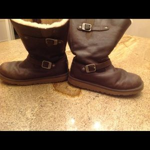 Ugg Kensington Shearling Lined Boots US6